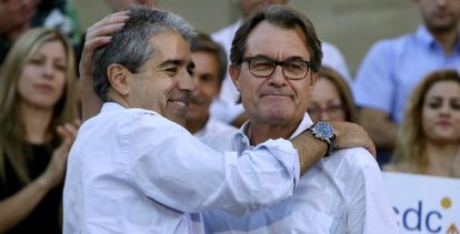 Francesc Homs (l) and Artur Mas at a pro-independence rally.