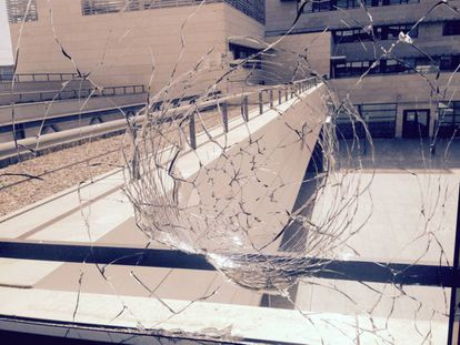 A window at the ICMAT hit by a stray bullet.