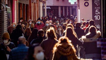Pedestrians in the center of Seville.