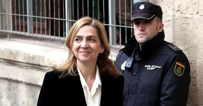 Infanta Cristina arrives at court on February 8, 2014.