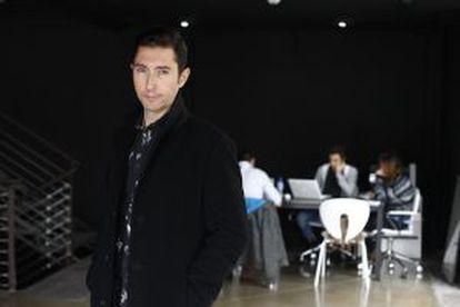 Journalist Toni Garrido in the Maker Studios office in Madrid.