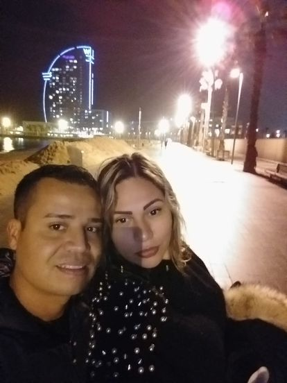 Venezuelans Jonathan Quintero and Paola Sheuat in February after arriving in Barcelona.