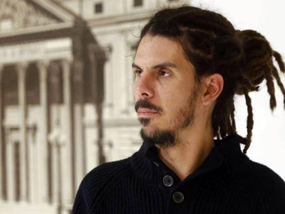 Alberto Rodríguez of Podemos says he would rather focus on serious issues affecting citizens.