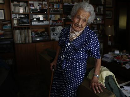 Ciriaca González, 107, inside her home in Moratalaz (Madrid).