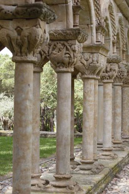 Part of the Romanesque-style cloister in the garden at Mas del Vent.