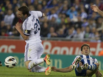 Víctor Sánchez saw red for this tackle on Real Madrid´s Gonzalo Higuaín.