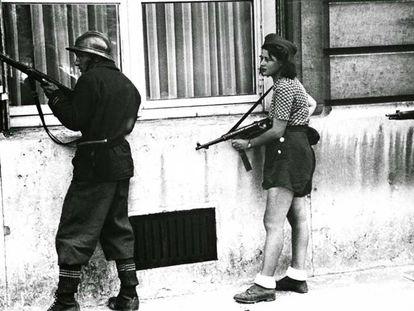 Resistance fighter Simone Ségouin in Paris in 1944.