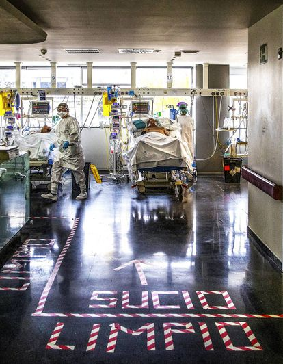 An ICU set-up in a recovery ward.