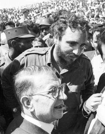 Jean-Paul Sartre and Fidel Castro in 1960.