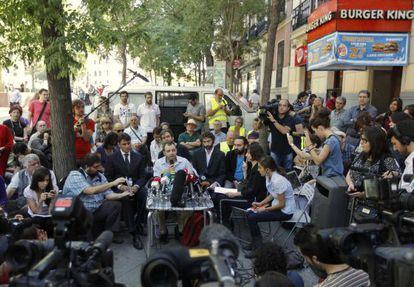 """Members of Spain's """"Indignados"""" movement hold a news conference after filing a lawsuit against Bankia bank in Madrid."""