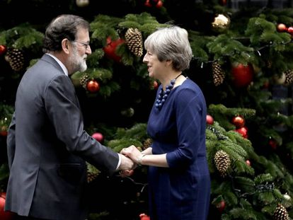 Theresa May and Mariano Rajoy in London.