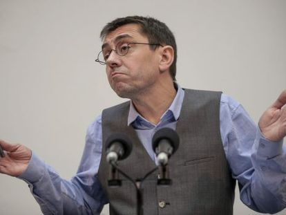 Juan Carlos Monedero said he is not allowed to show copies of his work.