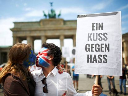 """A kiss against hate"" in Berlin."