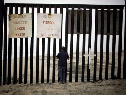 Photo at the Tijuana border.