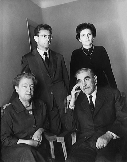 The last photo of the Pavelić family together, taken in 1959 in Madrid months before the death of the Croatian dictator.