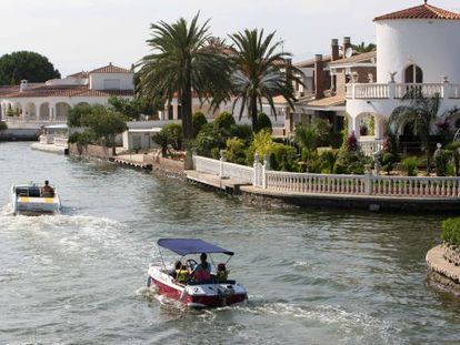 Owners of these luxury properties on Empuriabrava's canals in Girona province were among those facing expropriation.