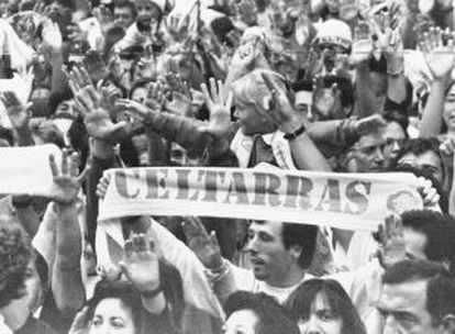 A demonstration by Celtarras in 1995.