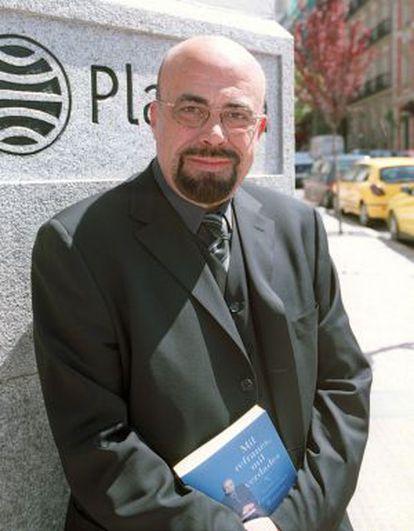 Dubbing artist and presenter Constantino Romero.