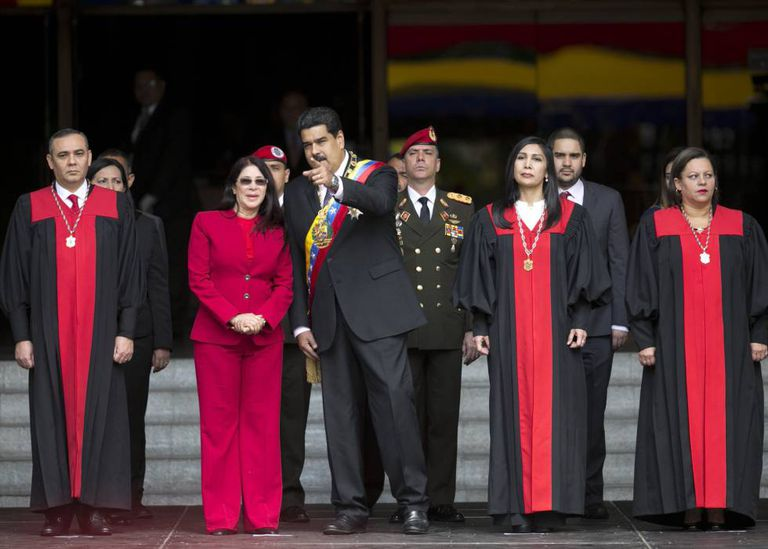 Nicolás Maduro with members of the Venezuela Supreme Court.