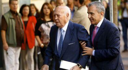 Former PP treasurer Álvaro Lapuerta arrives at the High Court on Tuesday.