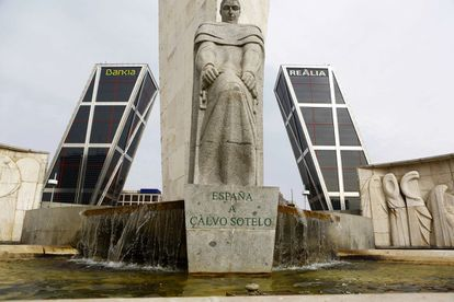 A monument to José Calvo Sotelo in Plaza de Castilla, slated for removal.