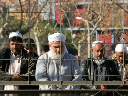 Muslims praying in a public square in Badalona before the town mayor announced it was to be forbidden.