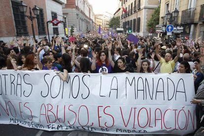 People protesting outside the Ministry of Justice in Madrid.