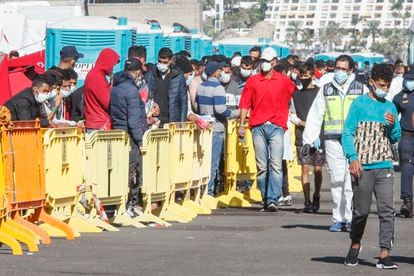 Over 2,300 migrants were crowded into the port of Arguineguín on Wednesday.