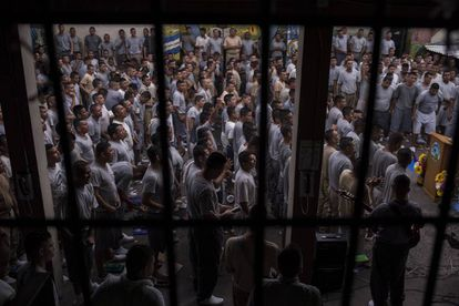 Gang members during a service in San Francisco Gotera prison.