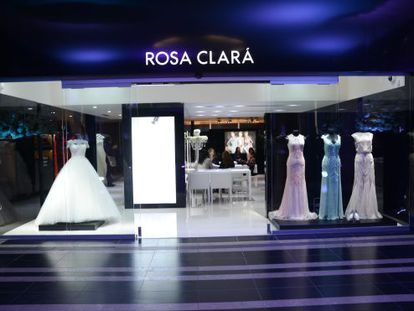 Rosa Clará's new wedding gown outlet in the Colombian capital.