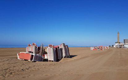 Maspalomas beach in Gran Canaria during the coronavirus lockdown.