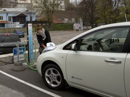 Estonian model shows that without government assistance, uptake of vehicles that do not use gasoline or diesel is slow