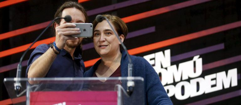 Pablo Iglesias and Ada Colau campaigning together.