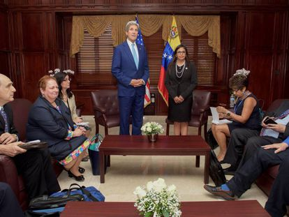 Kerry and Rodríguez agreed in Santo Domingo to begin bilateral talks.