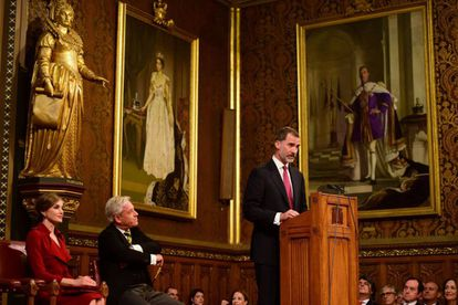 Felipe VI addressing a joint session of parliament in London.
