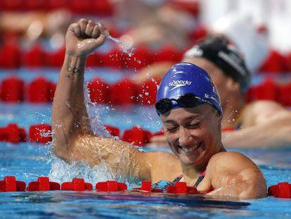 Mireia Belmonte celebrates silver in the 400m individual medley.