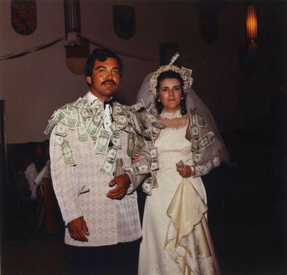 A wedding photo taken by José Luis Venegas in 1972.
