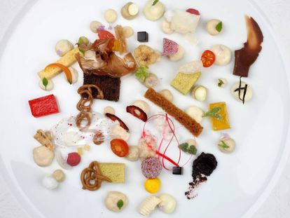 'Anarchy', a dessert served at El celler de Can Roca.