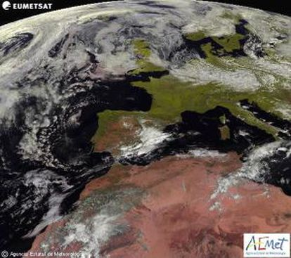The Meteosat satellite shows more rain forecasts for southeastern Spain on Tuesday.