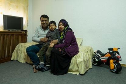 Elahi Mohammad Fazle, Tabib and Tania Sultana in their new home in Usera, Madrid.