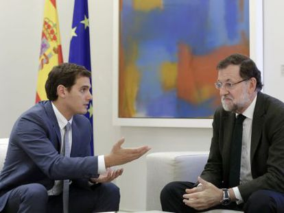 Albert Rivera (left) and Mariano Rajoy in La Moncloa prime minister's residence.