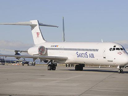 The abandoned MD-87 at Barajas airport.