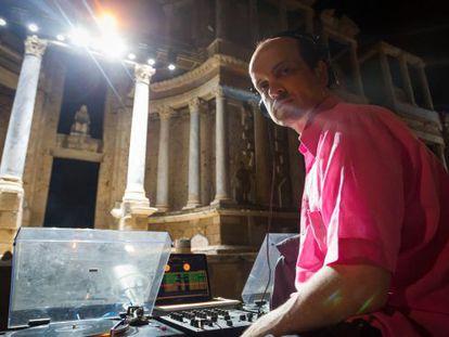 DJ Matthew Herbert during the dress rehearsal of 'The Bacchae' at Mérida's Roman theater.