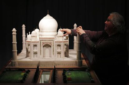 A model of the Taj Mahal in the Museo Tiflológico.