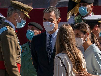 King Felipe VI, PM Pedro Sánchez, Queen Letizia and the Infanta Sofía at the military parade of October 12.
