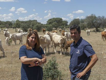Miriam Talavera with Enrique Izquierdo, the coordinator of the School of 21st Century Shepherds.