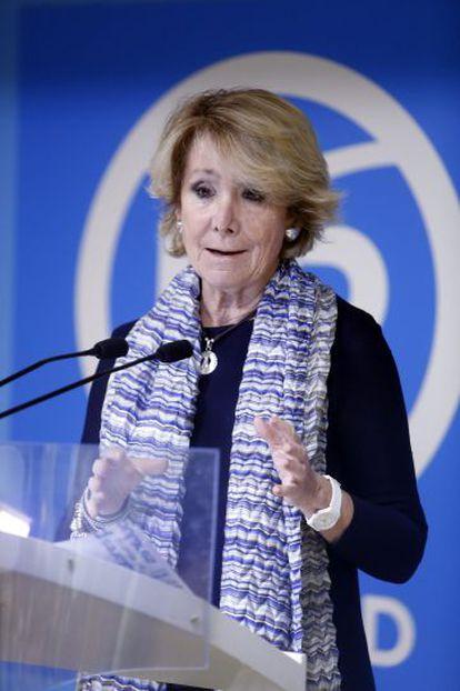 Esperanza Aguirre announcing her resignation last Sunday.