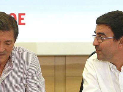 Javier Fernández and Mario Jiménez are temporarily heading the PSOE.