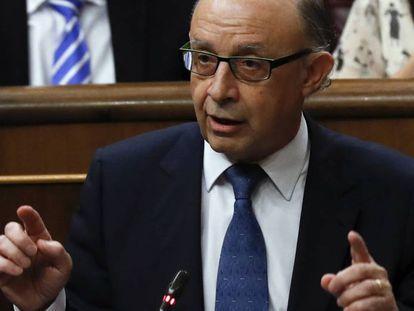 Finance Minister Cristóbal Montoro.