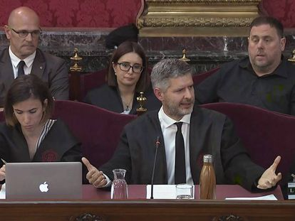 (Second row) Oriol Junqueras (r) and Raül Romeva during the trial.
